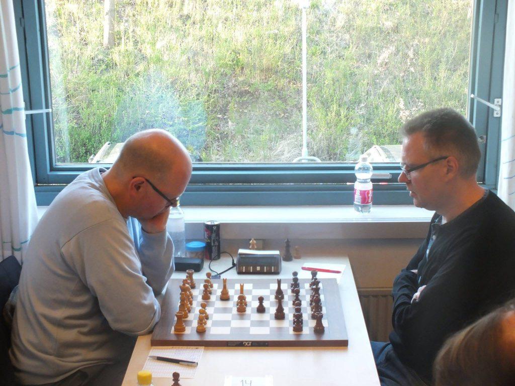 Kåre Kristensen under partiet i rond 1 av Copenhagen Chess Challenge. Foto: Lars Bech Hansen